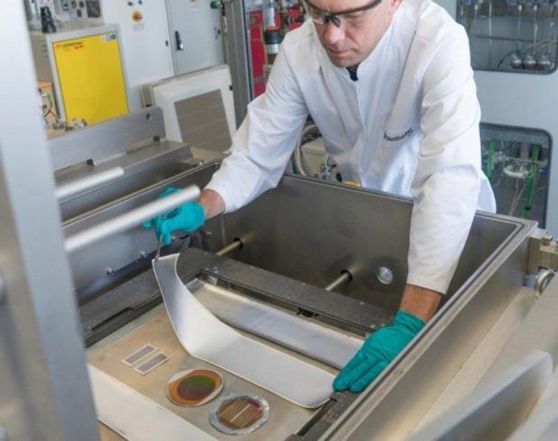 Paneles solares fotovoltaicos hechos de textiles